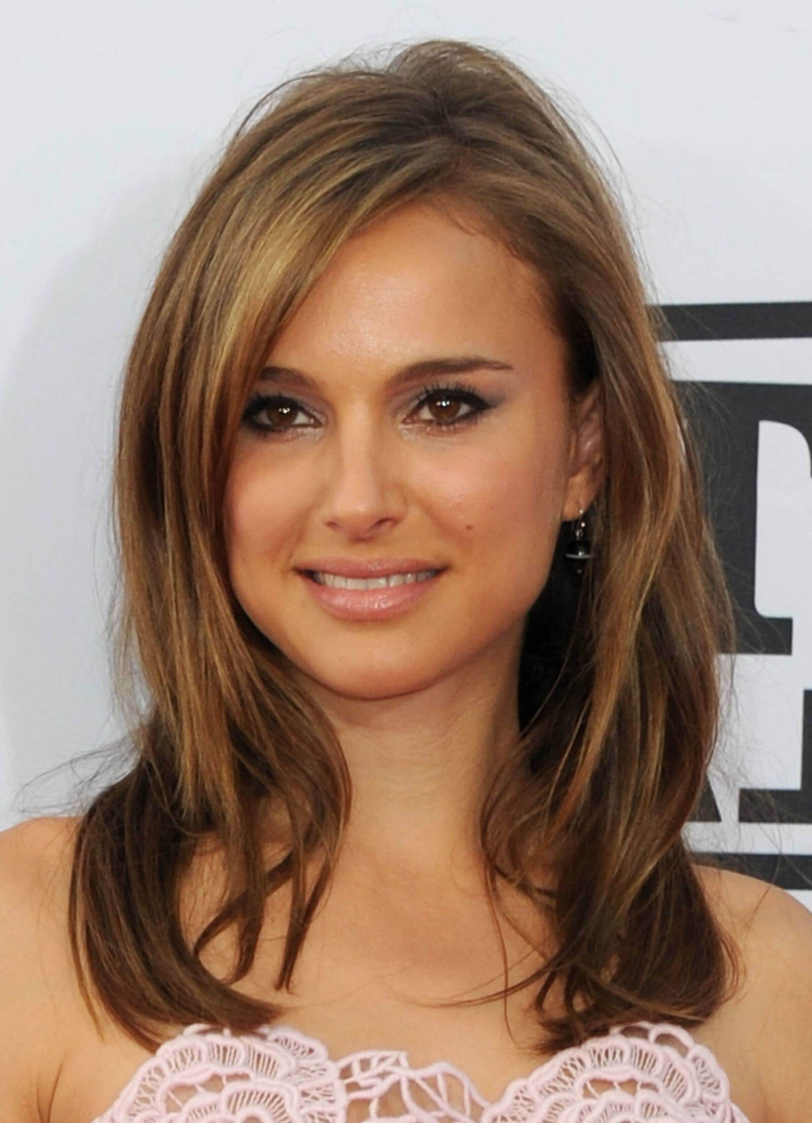 Hair Color Ideas For Blue Eyes And Olive Skin Short Hair
