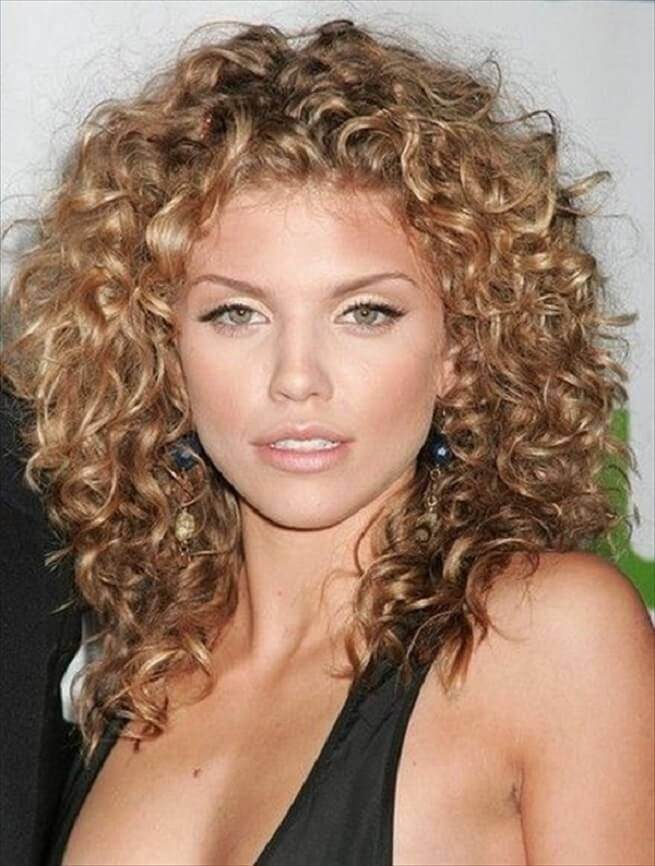 medium hairstyle for curly hair